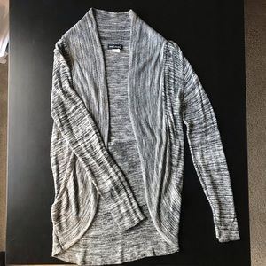 Long sleeve loose knit open front cardigan